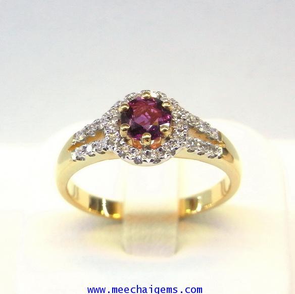 แหวนพลอยทับทิมจันท์แท้ล้อมเพชร