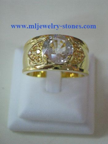 แหวนทองเพทายประดับบุษราคัม