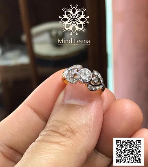 แหวนเพชรแท้เหลี่ยมเกสร งานเก่า เพชรเม็ดกลางน้ำหนักประมาณ 0.35 cts. (งานมือสอง)