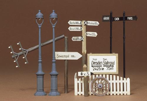 Road Sign Set Kit 1/35 Tamiya