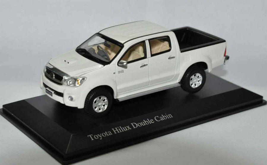 โมเดลสำเร็จ Toyota Hilux Vigo 2010 มาตราส่วน 1/43 สีขาว