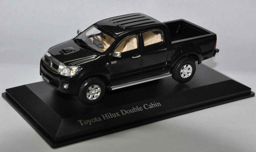 โมเดลสำเร็จ Toyota Hilux Vigo 2010 มาตราส่วน 1/43 สีดำ