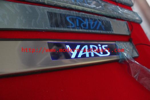 ชายบรรได Toyota YARIS แบบไมีไฟ LED