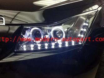 โคมไฟหน้า CRUZE Benz CLS V3 Style Headlights
