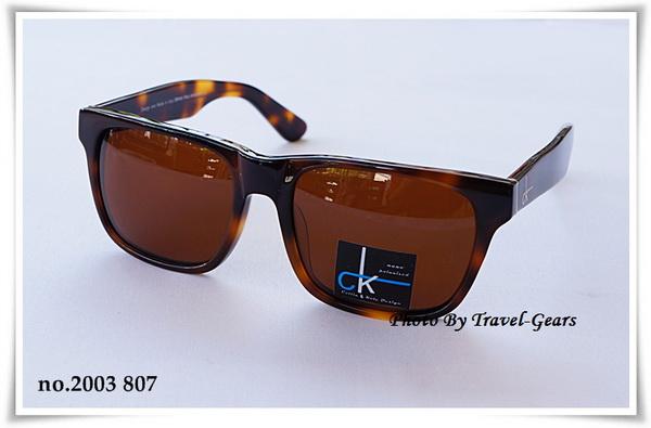 แว่นกันแดด CK no.2003 807