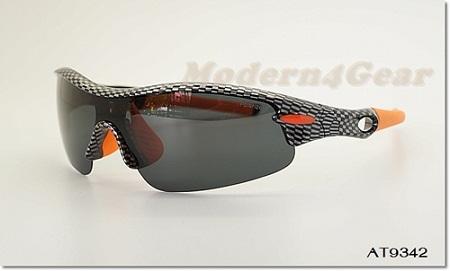แว่นกันแดดเลนส์ Polarized รุ่น AT92342