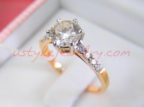 แหวนทอง90 น้ำหนัก 3.5 กรัม เพชรเม็ดกลาง 81 ตัง/1 เม็ด น้ำ 94VVS