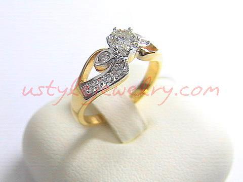 แหวนทอง90 น้ำหนัก 4.4 กรัม เพชรเม็ดกลาง 36 ตัง/1 เม็ด น้ำ 96VVS