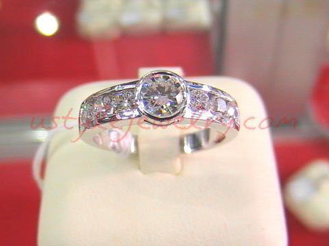 แหวนทอง90 น้ำหนัก 6.1 กรัม เพชรเม็ดกลาง 51 ตัง/1 เม็ด น้ำ 98VVS 1