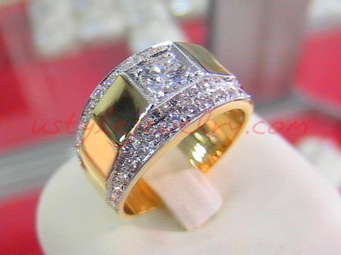 แหวนทอง90 น้ำหนัก 10.4 กรัม เพชรเม็ดกลาง 0.33 ตัง/1 เม็ด น้ำ 96VVS