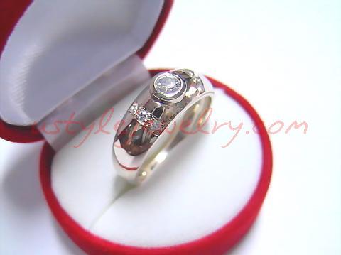 แหวนผู้ชายของคุณปุ๋ม