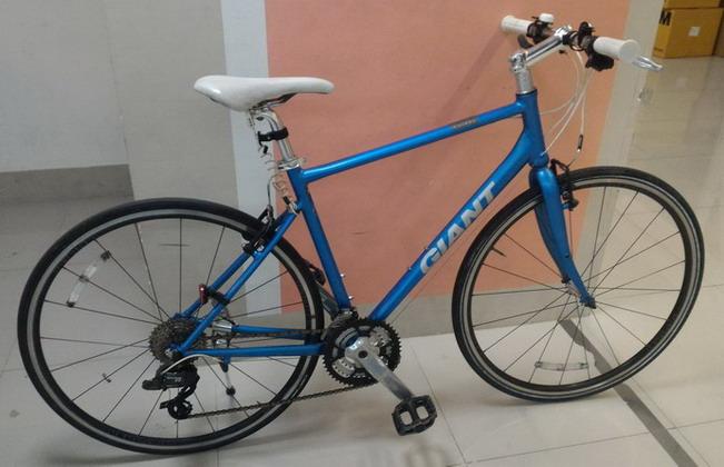 จักรยานทัวร์ริ่ง Giant escape R3 Air