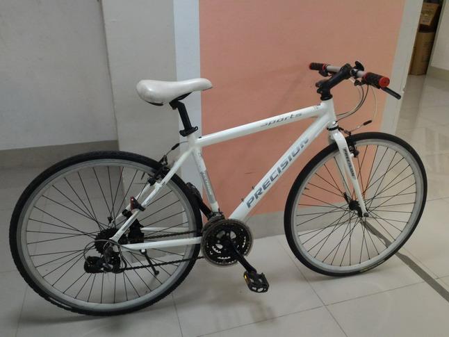 จักรยานทัวร์ริ่ง มือสอง จากญี่ปุ่น PRECISION เฟรมอลู สีขาว