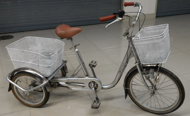 จักรยานสามล้อมือสอง จากญี่ปุ่น ปรับเอวอ่อน เอวแข็งได้