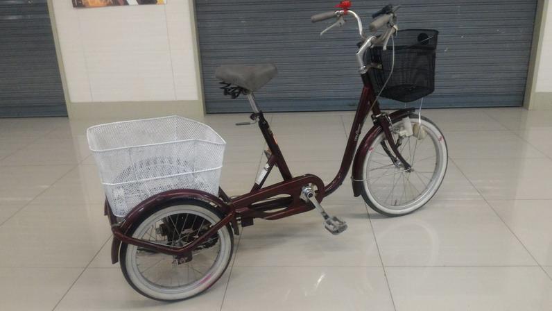 จักรยาน สามล้อปรับเอวอ่อน แข็งได้ ขนาดกะทัดรัด เฟรมเหล็กสีแดง