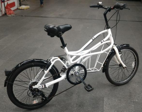 จักรยาน ออกแบบมาเพื่อรับน้ำหนักตรงกลางคัน  Doppel Ganger รุ่น 330c roadyacht