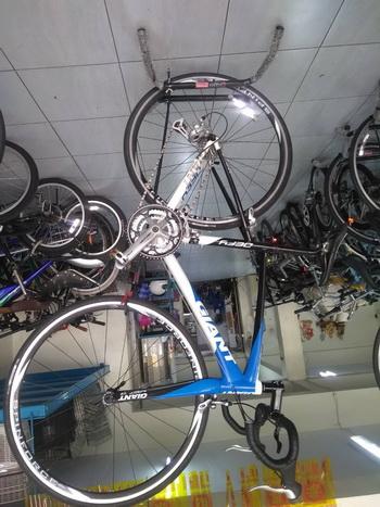 จักรยานเสือหมอบ ยี่ห้อ Giant รุ่น Defy จากญี่ปุ่น สภาพเยี่ยม