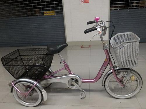 จักรยานสามล้อ ญี่ปุ่น มือสอง บริดสโตน สีชมพู