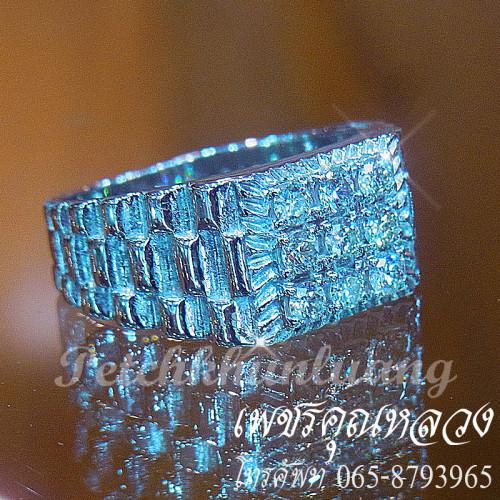แหวนเพชรชาย ตัวเรือนทองคำขาว หน้าเพชรเต็มนิ้ว เล่นดีไซน์ตรงก้านแหวน  ใส่เสริมบารมี 2