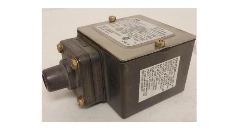 Barksdale E1H-H15 Pressure Switch, 10A, 125-480V