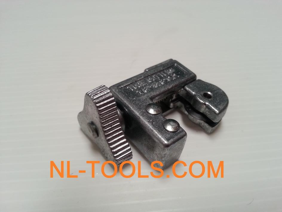 ตัวตัดท่อแอร์ขนาดเล็ก  (JKV)(เครื่องมือแอร์)(เครื่องมือช่าง)