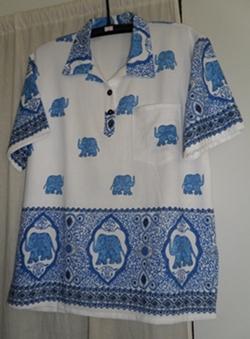 เสื้อผ้าฝ้ายสีขาวพิมพ์ลายช้างคอโปโลแขนสั้น