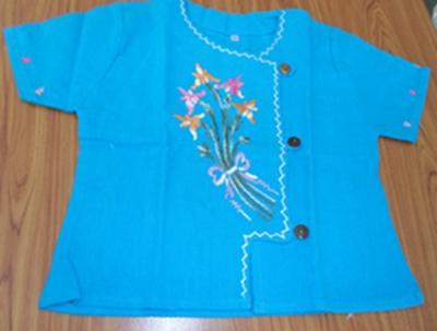 ชุดผ้าฝ้ายพื้นเมืองเด็กหญิงปักดอกไม้ลายต่าง ๆ