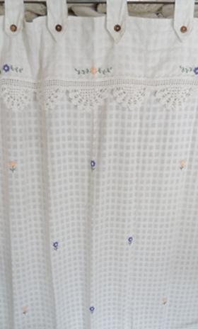 ผ้าม่านหน้าต่างผ้าฝ้ายปักดอกและหัว-ชายผ้าถักโคเชร์แบบคอกระเช้า 6