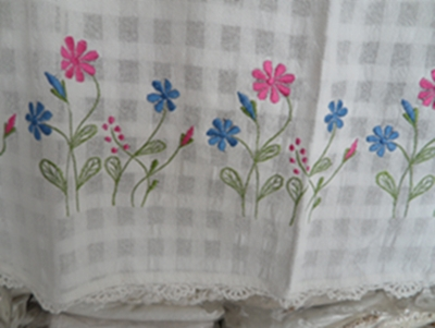 ผ้าม่านหน้าต่างผ้าฝ้ายปักดอกและหัว-ชายผ้าถักโคเชร์แบบคอกระเช้า 32