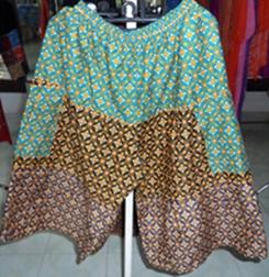 กางเกงกระโปรงผ้าฝ้ายลายไทยขาสามส่วน