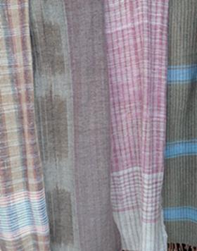 ผ้าพันคอหรือผ้าคลุมไหล่ผ้าฝ้ายทอมือลายต่าง ๆ