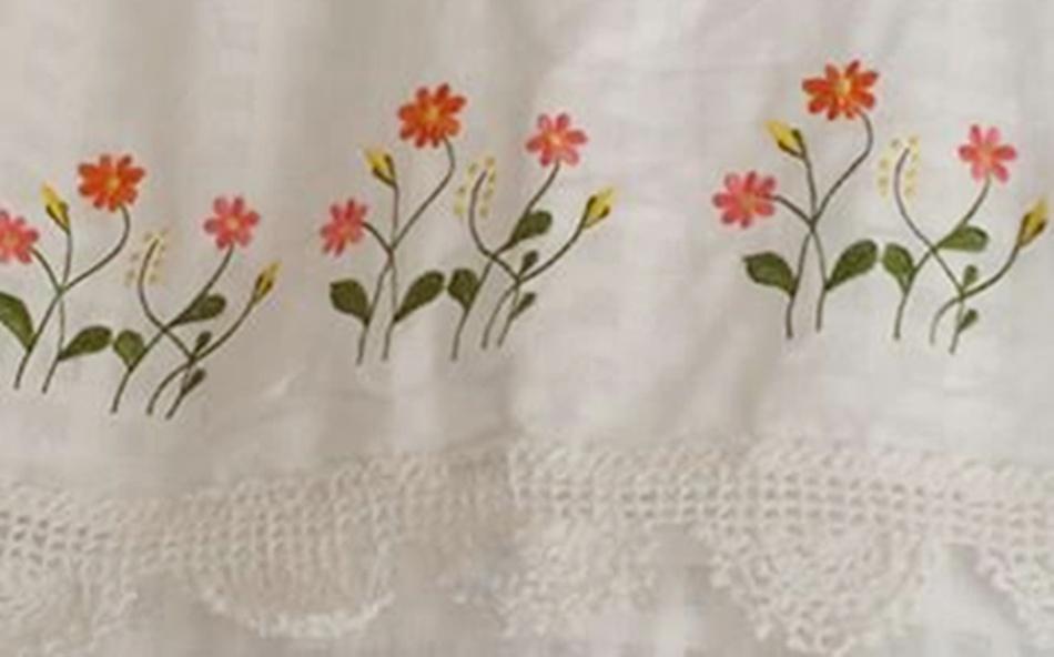 ผ้าม่านหน้าต่างผ้าฝ้ายปักดอกและหัว-ชายผ้าถักโคเชร์แบบคอกระเช้า 5