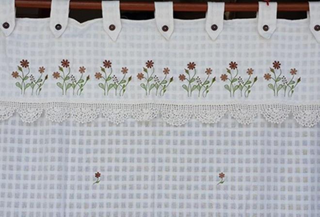 ผ้าม่านหน้าต่างผ้าฝ้ายปักดอกและหัว-ชายผ้าถักโคเชร์แบบคอกระเช้า 3