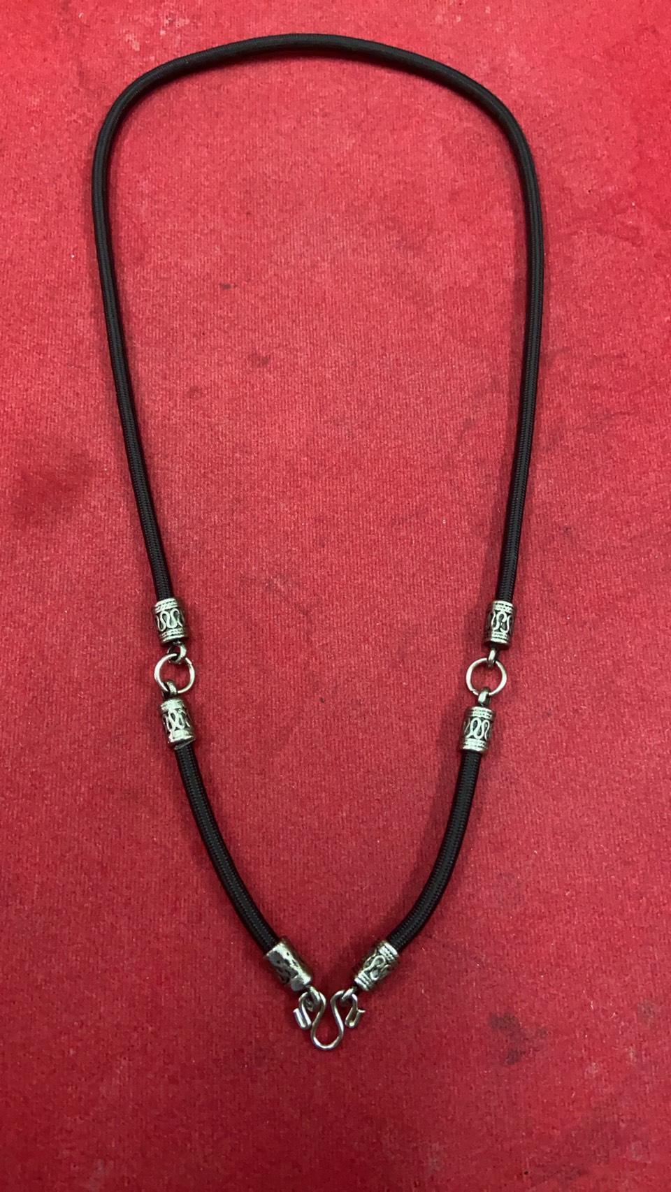 สร้อยเชือกไนล่อน ห้อยพระ 3 องค์  Nylon rope neckless อุปกรณ์ ยาว 24 นิ้ว
