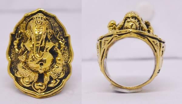 แหวนพระพิฆเณศวร เนื้อทองบวบ พิมพ์ใหญ่ รุ่นฉลองพระอุโบสถ หลวงปู่หงษ์ วัดเพชรบุรี 2550