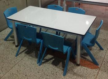 ชุดโต๊ะเก้าอี้อนุบาล 6 ที่