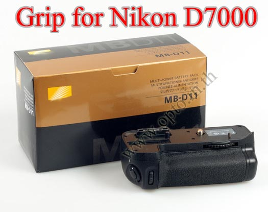 OEM Battery Grip for Nikon D7000 (MB-D11)