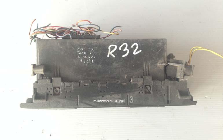 ช่องปรับสไลด์แอร์อัตโนมัติ คอนโซลกลาง Nissan Skyline (นิสสัน สกายไลน์) R32 1