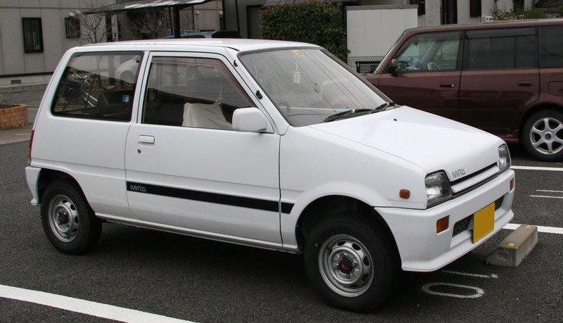 บังโคลนขวา ไดฮัทสุ มิร่า (Daihatsu Mira) L70/L80 ตาเหลี่ยม 4