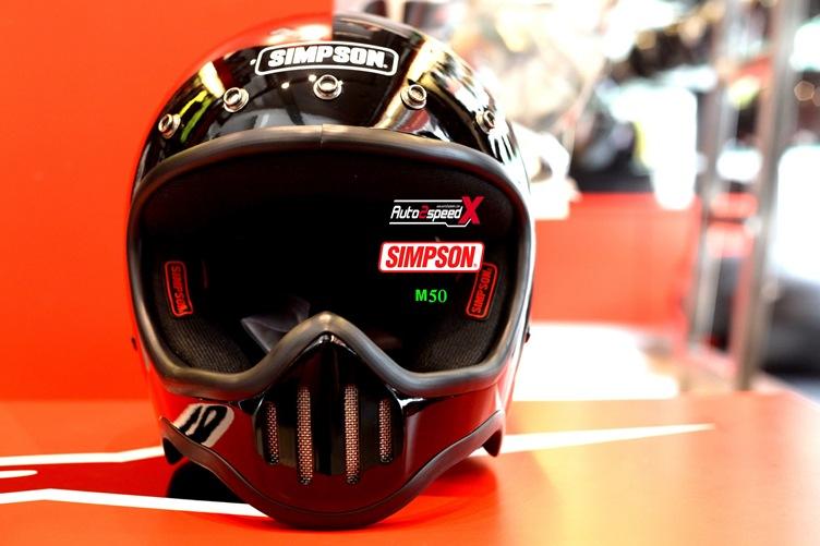 หมวกกันน็อค SIMPSON M50 BLACK