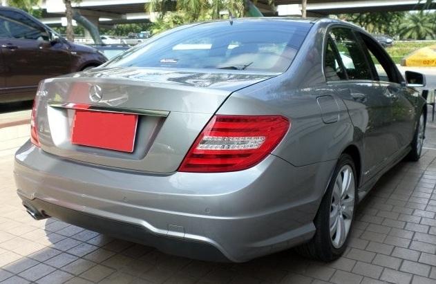 ซ่อมเครื่องเสียงรถยนต์  วิทยุ CD Benz W204 C Class