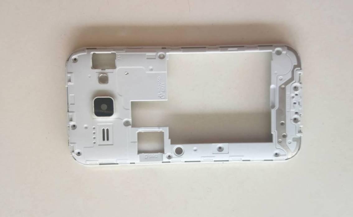 เคสหลัง SAMSUNG J1 / J100 มือสองสีขาว