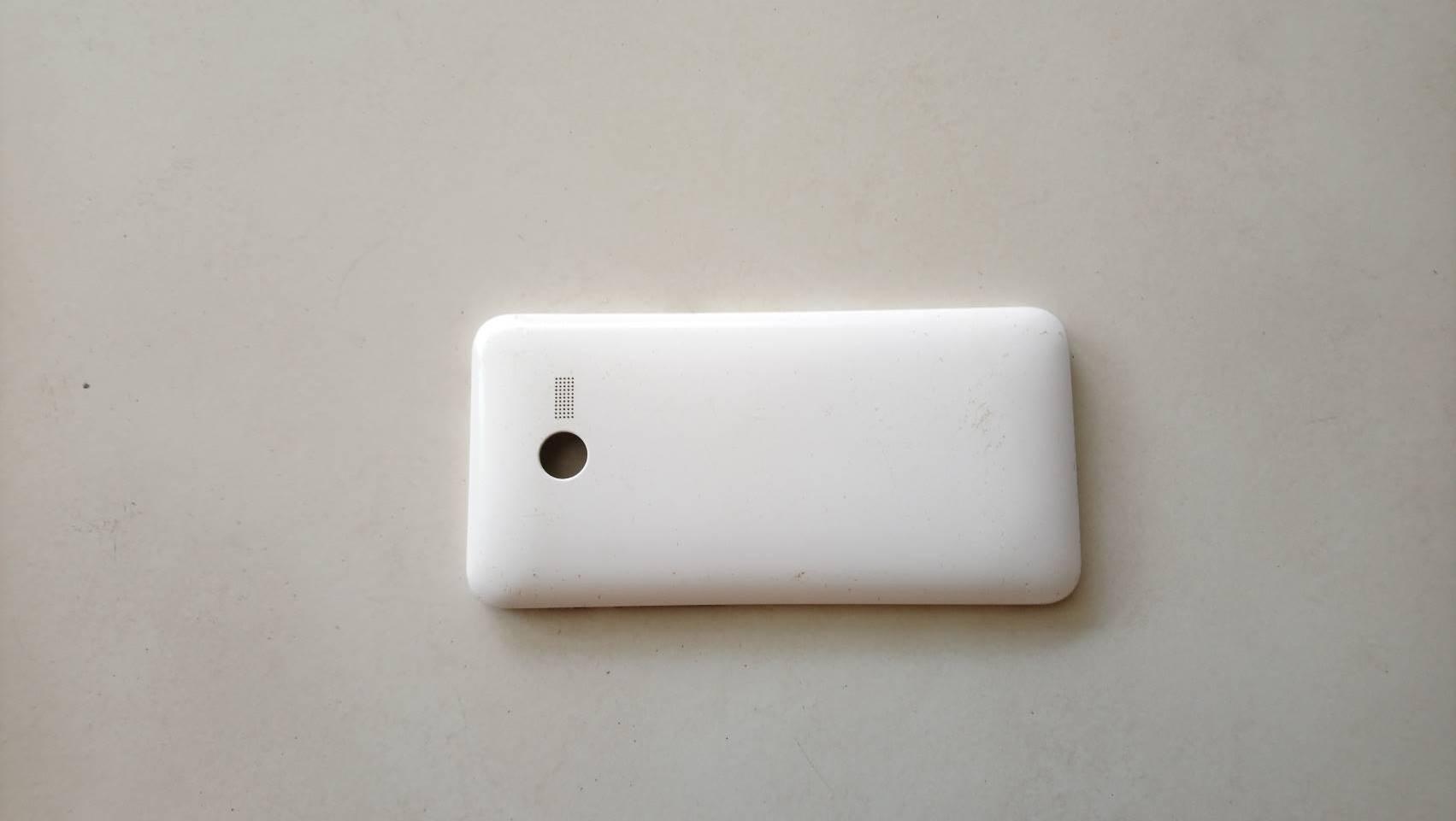 ฝาหลังสีขาว Back cover ASUS Zenfone4 T00i มือสอง
