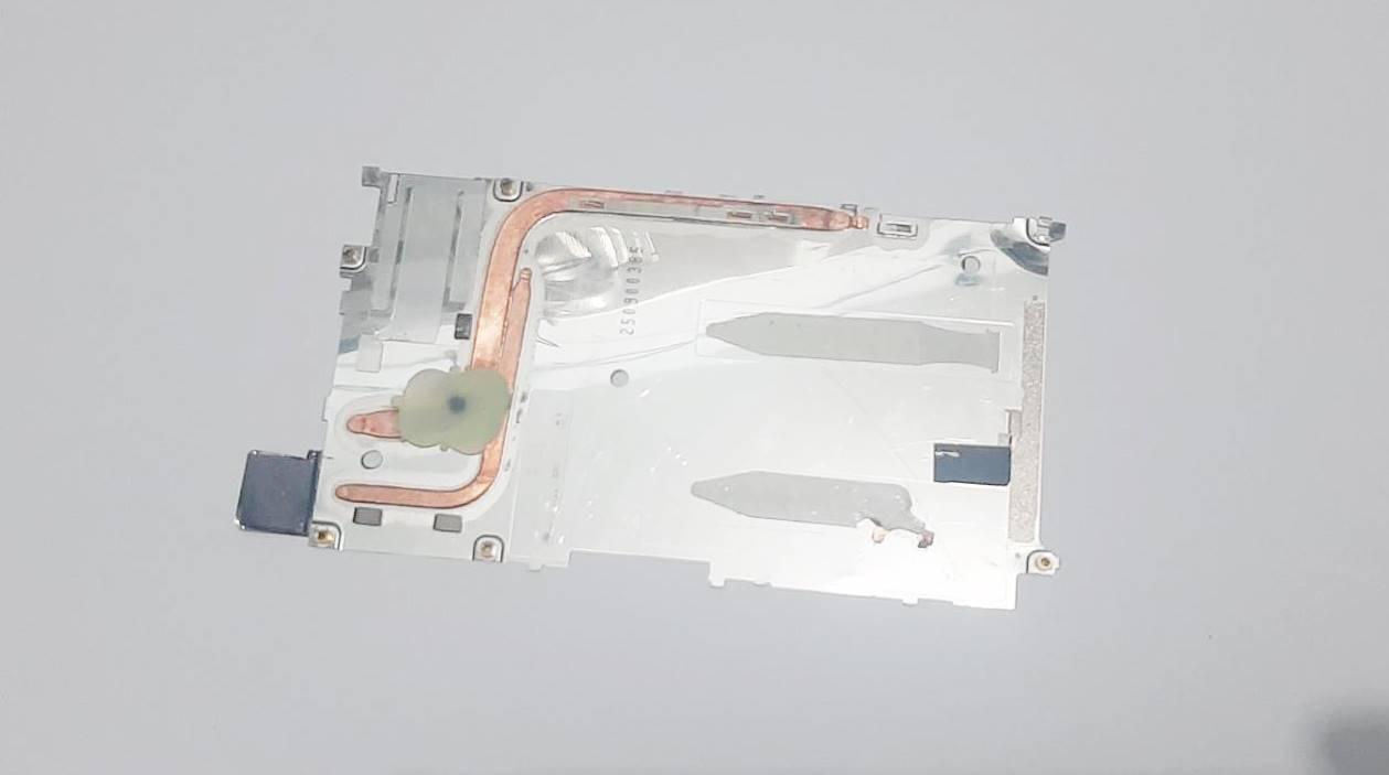 แผ่นเพลทรองจอ Sony xperia z5 E6603 E6633 E6653 E6683