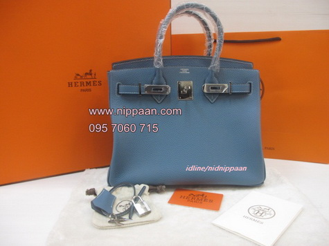 Hermes Birkins 30 cm สีฟ้า Blue Jeans Togo leather with Silver hardware Top mirror image 7 stars