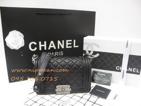 Chanel Boy flap bag Lamb skin SHW Top Mirror Image 7 stars สีดำอะไหล่เงิน 8 นิ้ว