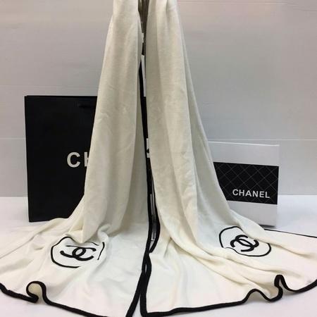 ผ้าพันคอ Chanel classic scarf Top Mirror Image สีขาว