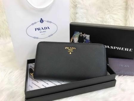 Prada Saffiano Zip-Around Wallet สีดำ
