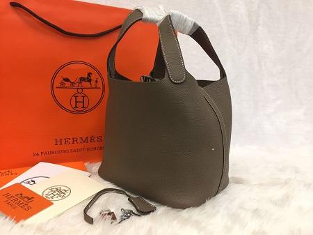 Hermes Picotin Lock Bag PM in Etoupe สีเทาอมน้ำตาล 18 CM