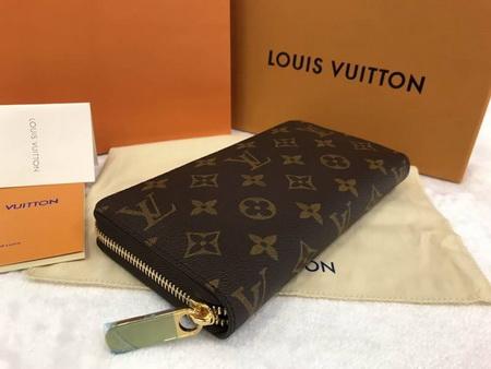 Louis Vuitton Zippy Wallet M60017  in Monogram canvas. Mirror Image 7 stars